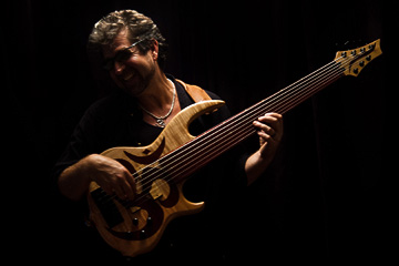 Photo of Jason Everett and Bass